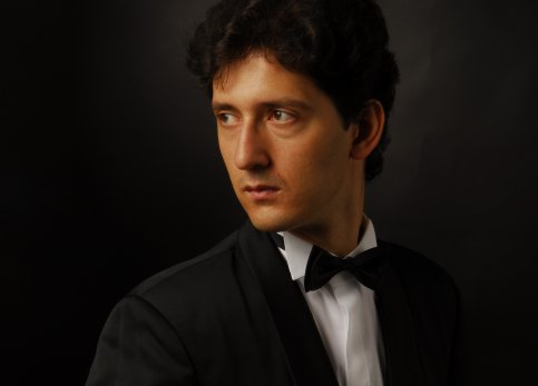 Сергей Кузнецов. Фото - Роман Гончаров