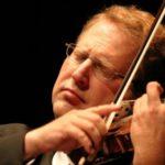 Скрипач и дирижер Шломо Минц даст концерты в Москве и Петербурге