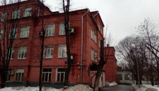 Здание на Трехгорном валу, где квартируют несколько музыкально-образовательных учреждений. Фото: Иван Голунов / «Медуза»