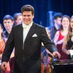 Денис Мацуев выступил с Всероссийским юношеским симфоническим оркестром. Фото - Алексей Молчановский