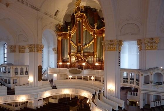 Большой орган церкви Святого Михаила в Гамбурге