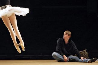 Сергей Вихарев на репетиции балета «Коппелия» в Большом театре, 2009. Фото - Юрий Мартьянов/Коммерсантъ
