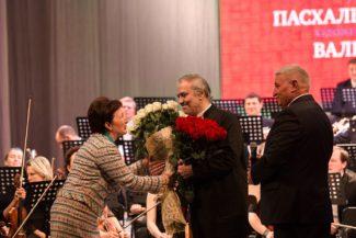 В Ставрополе Валерий Гергиев дирижировал Симфоническим оркестром Мариинского театра. Фото - Алексей Громаков