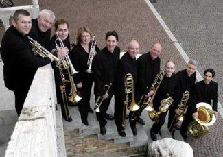 """Ансамбль """"London Brass"""". Фото - maniadb.com"""