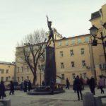 К памятнику Майе Плисецкой возложили цветы