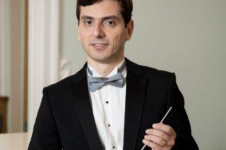 Тигран Ахназарян. Фото - Хабаровская краевая филармония