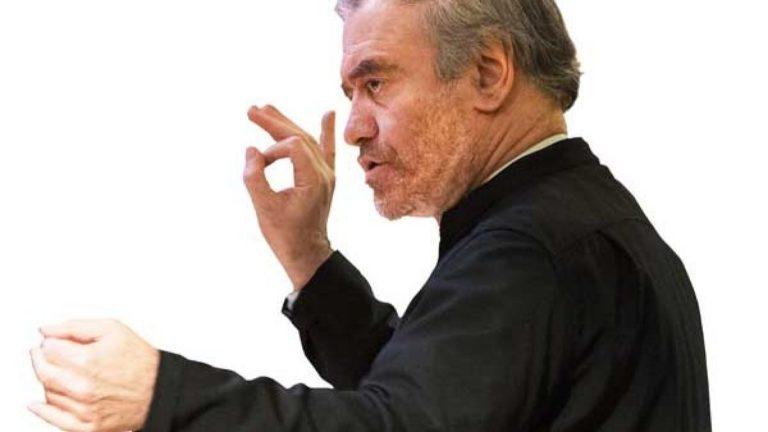 Валерий Гергиев продирижирует оркестром Российско-немецкой музыкальной академии в Санкт-Петербурге и Берлине