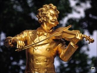 Памятник Иоганну Штраусу в Вены