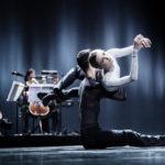 """Сцена из спектакля """"mutual comfort"""". Фото - Joris-Jan Bos / Платоновский фестиваль"""