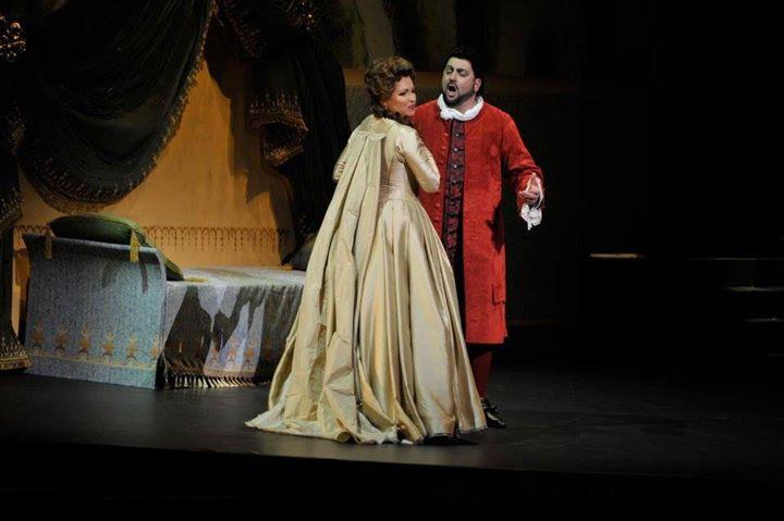 Автограф-сессия Анны Нетребко и Юсифа Эйвазова пройдет в Мариинском театре. Фото - Валентин Барановский