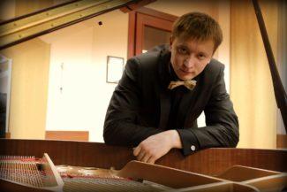 Гайдар Бескембиров победил в конкурсе пианистов во Фрайбурге. Фото - facebook