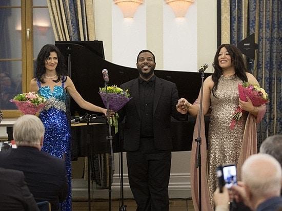 Кэти Мэхэн, Сидни Аутлоу и Мишель Брэдли. Фото - flickr.com / usembassyru
