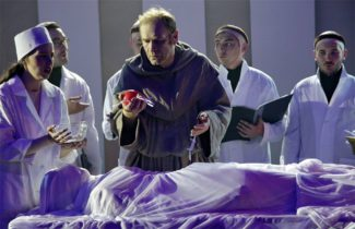 Михаил Богданов в роли Гвидо д'Ареццо. Фото - Елена Лапина / Театр им. Сац