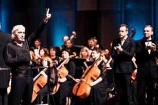 Концерт в Красноярске несколько раз переносился из-за болезни певца, но красноярцы преданно ждали и не сдавали билеты. Фото - Никита Ларионов/Пресс-служба Красноярской филармонии