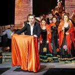 Театр «Зазеркалье» завершил сезон премьерой оперы «Кармен» Бизе в постановке Александра Петрова