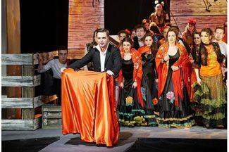 Театр «Зазеркалье» завершил сезон премьерой оперы «Кармен»