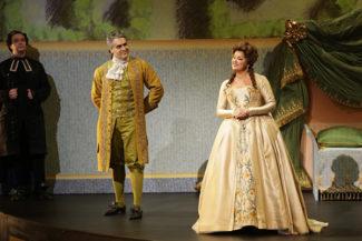 Анна Нетребко спела в опере «Адриана Лекуврер». Фото - Наталья Разина/ Мариинский театр