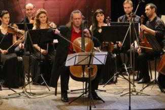 Денис Шаповалов на Международном фестивале Тенгиза Амирэджиби. Фото - Slow Mo