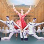 На сцену Мариинки выходят выпускники Академии Русского балета им. Вагановой