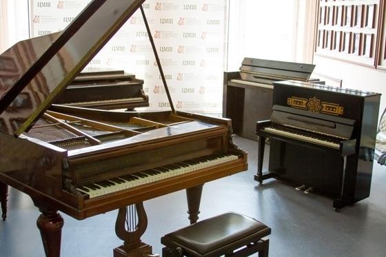 Выставка роялей в ЦМШ. Фото - Егор Хатрусов