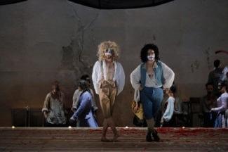 Сцена из оперы «Дон Жуан». Фото - Pascal Victor / ArtComPress