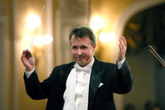 Михаилу Плетневу выпала честь 6 августа закрывать с фестивальным оркестром праздник в Вербье. Фото - Verbier Festival