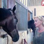 Звезда оперы дрессирует лошадей с помощью пения