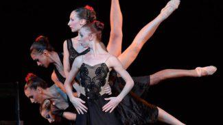 В рамках «Летних балетных сезонов» выступила итальянская Compagnia Nazionale. Фото: Юрий Мартьянов / Коммерсантъ