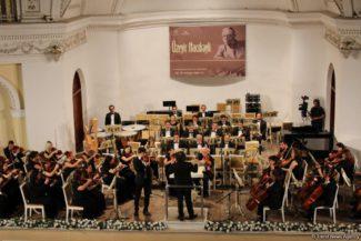 IX Международный музыкальный фестиваль Узеира Гаджибейли стартовал в понедельник в Баку.