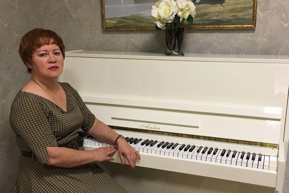 """Фа-Ом - первый и пока единственный инструмент, на котором можно сыграть """"новую музыку"""". Фото - архив Альбины Лищинской"""