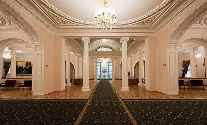 Фойе партера в Московской консерватории