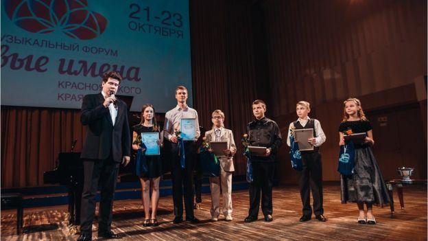 Своей миссией музыкант считает помощь молодому поколению талантливых ребят со всей России. Фото - EUGENE EVTUKHOV