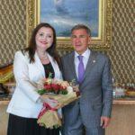 Рустам Минниханов поблагодарил певицу Альбину Шагимуратову за вклад в повышение престижа Татарстана