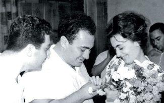 Зураб Соткилава и Элисо Турманидзе на церемонии бракосочетания,Тбилиси, 17 июля 1965. Фото из личного архива Зураба Соткилавы
