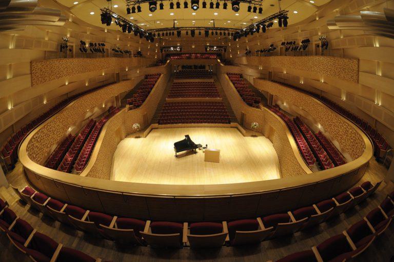 Известные российские коллективы выступят в Концертном зале Мариинского театра