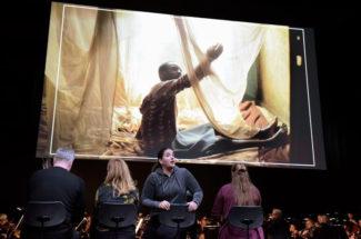 В Штутгартской опере состоялась премьера оперы Энгельберта Хумпердинка «Гензель и Гретель». Фото - Thomas Aurin