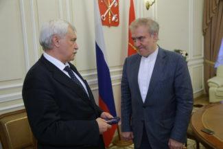 Георгий Полтавченко вручил Валерию Гергиеву знак отличия «За заслуги перед Санкт-Петербургом»