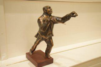 Скульптор Тауно Кангро изваял своего соотечественника специально для «Геликон-оперы». Фото - Ирина Шымчак / РГ