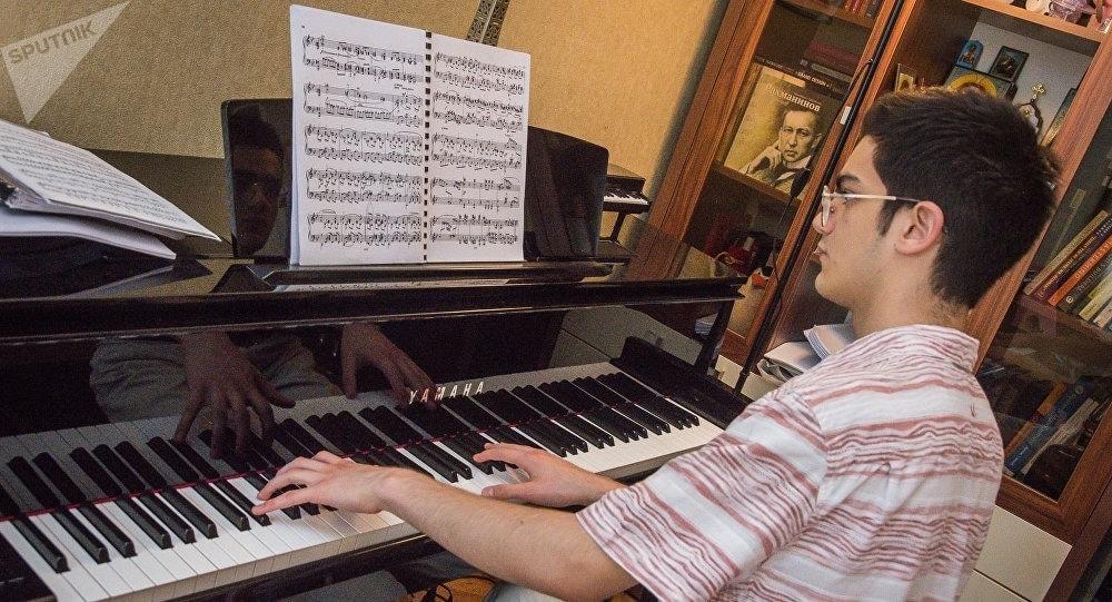 Сандро Небиеридзе