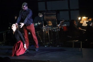 Героям оперы «Оборона» запрещено пользоваться в речи глаголами