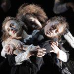 «Лебединое озеро» в постановке Майкла Кигана-Долана. Фото - Colm Hogan/dance-inversion.ru