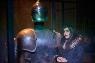Одна из премьер открытия - одноактная опера Rivale. Клоринда - Амира Эльмадфа. Фото: www.staatsoper-berlin.de