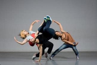 Экспериментальное шоу «Жар-птица» в стиле хип-хоп» объединяет музыку Стравинского и модный уличный танец,