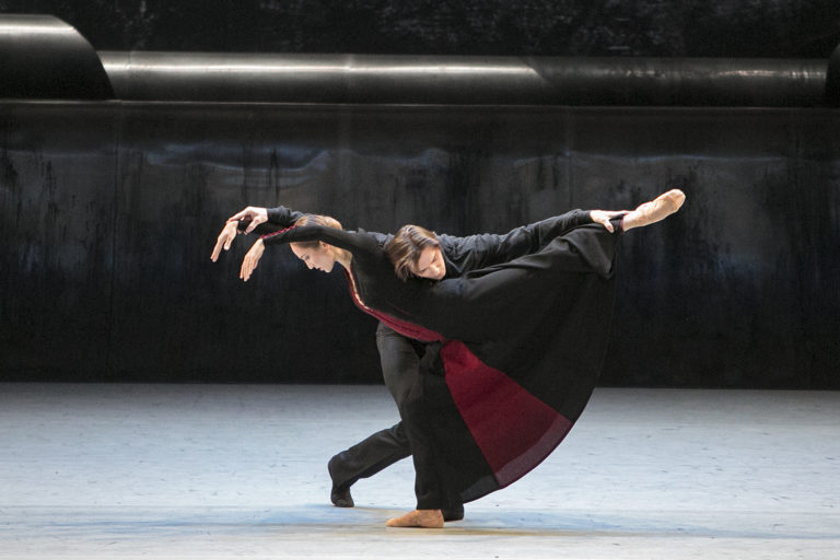 Танец жизни на музыку Симфонии-реквиема