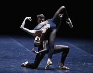 Танцевальная компания Дрездена-Франкфурта. Фото - Петр Кассин / Коммерсантъ