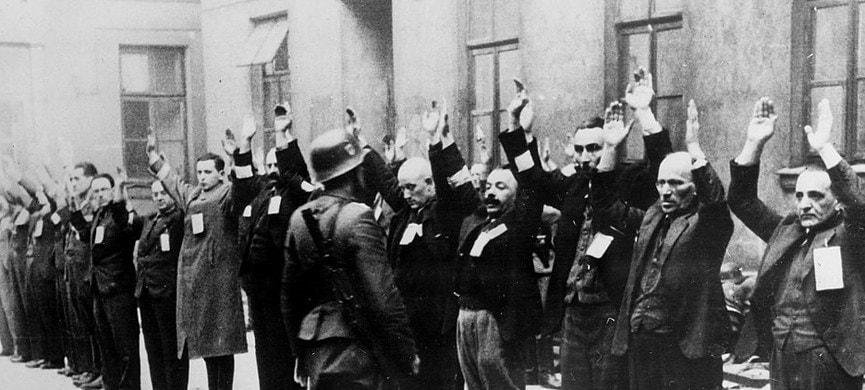 В начале 1940 года, когда нацисты загнали полмиллиона людей в гетто