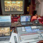 Виртуальный зал соединил Магнитку со знаковыми сценическими площадками страны. Фото - Дмитрий Рухмалев