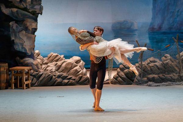 Екатеринбургский оперный театр представит свои постановки на сцене Большого театра