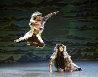 """Национальный театр танца Якутии показал этномюзикл """"Дети Белого Солнца"""""""