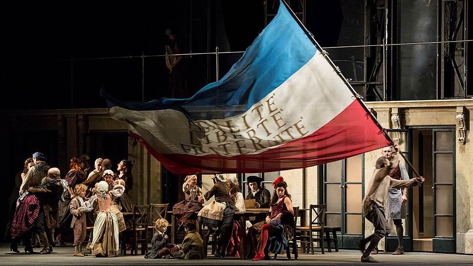 "Сцена из оперы ""Андре Шенье"". Фото - Reuters"